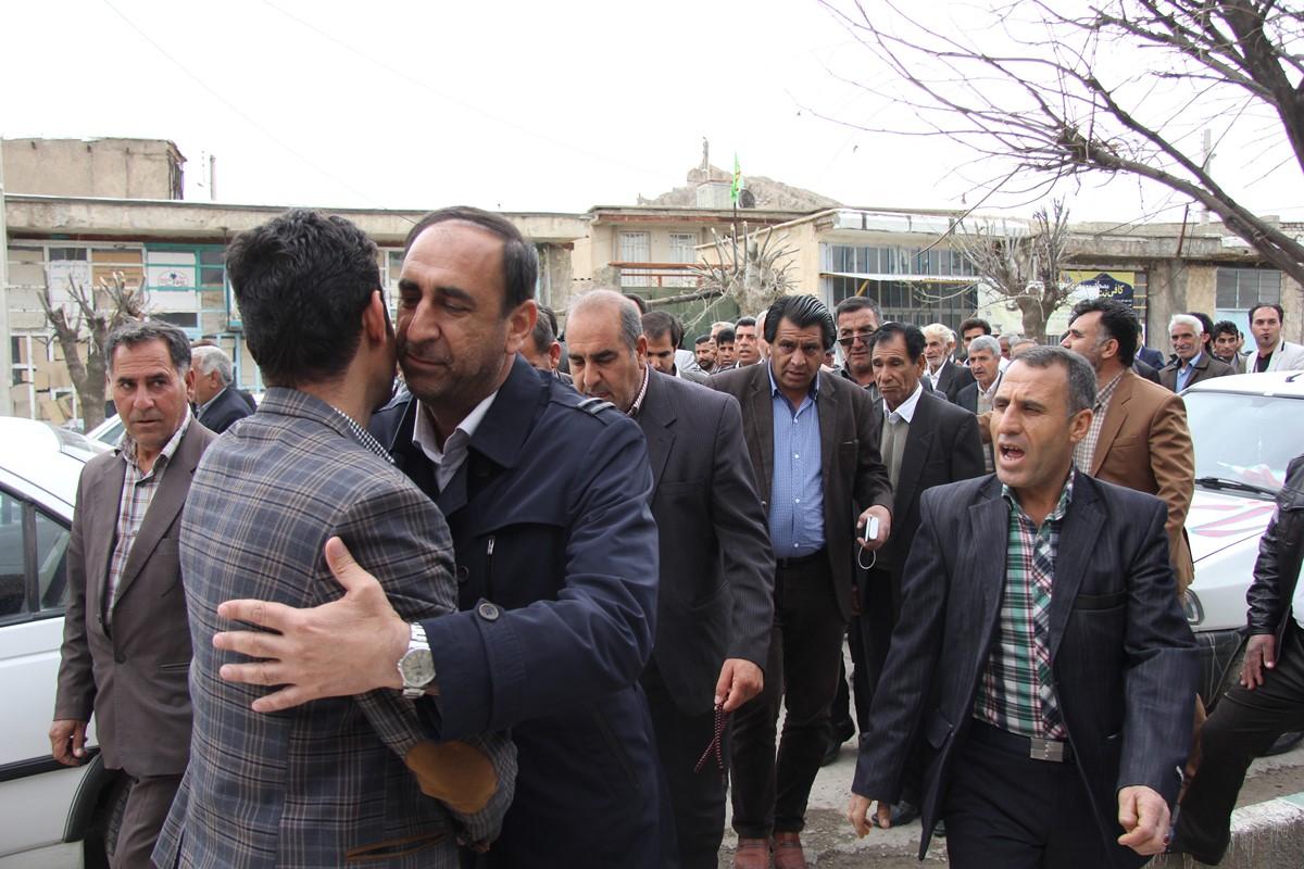 اجتماع باشکوه مردم زرین آباد در حمایت از بهزاد علیزاده